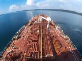 a Transiting Panama Canal | Time Lapse